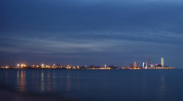 De kust Geogië in de avond
