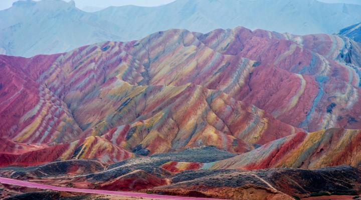 De kleurrijke bergen van Zhangye Danxia Nationaal Park