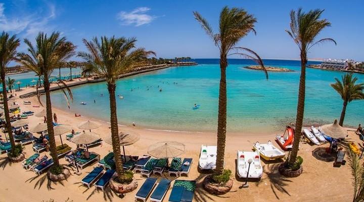 De baai bij het Arabia Azur Resort