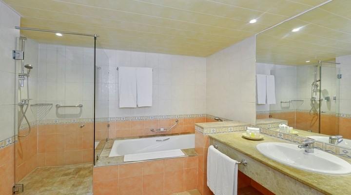 Badkamer van Tweepersoonskamer Tuinzijde