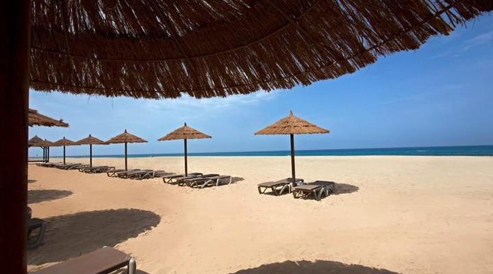 Strand direct aan het hotel