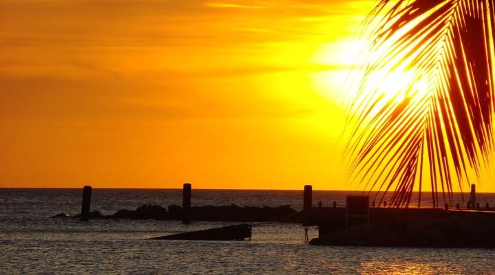 Ondergaande zon in Curaçao