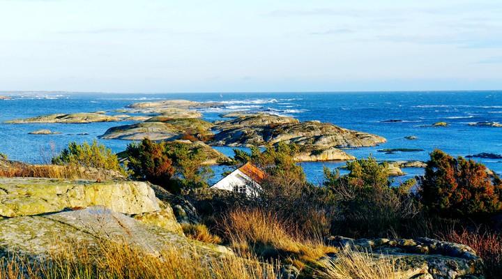 Een huisje in het landschap van Noorwegen
