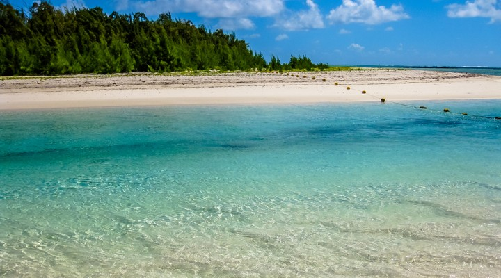 Het kristalhelder water van Ile aux Cerfs