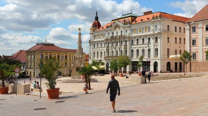 Straatbeeld Pecs, Hongarije
