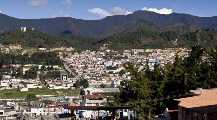 Uitzicht op Loja, met de Andes op de achtergrond