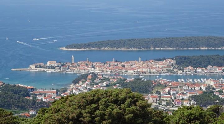 Uitzicht vanaf het hoogste punt van het eiland Rab