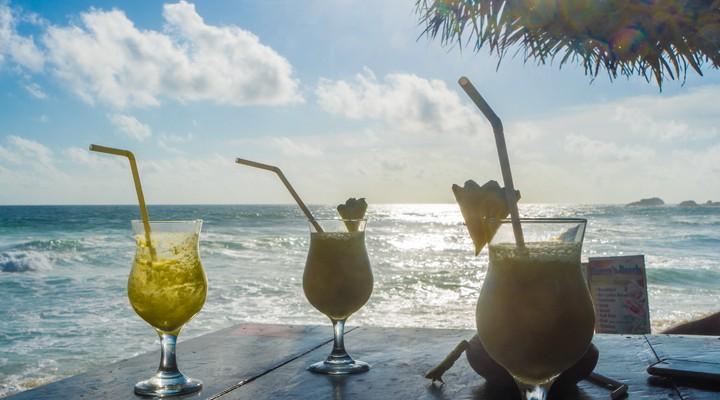 Cocktails aan het strand