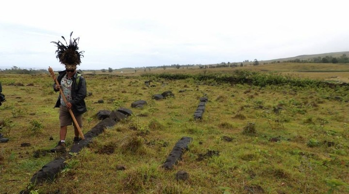 Onze gids tijdens de tour op Paaseiland