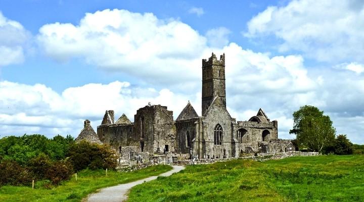 Quin Abbey, bezienswaardigheid Ennis, Ierland