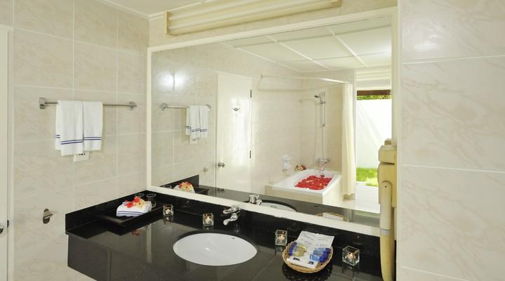 Badkamer van het Kuredu Island Resort