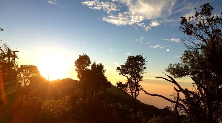 Een mooie zonsopkomst onderweg