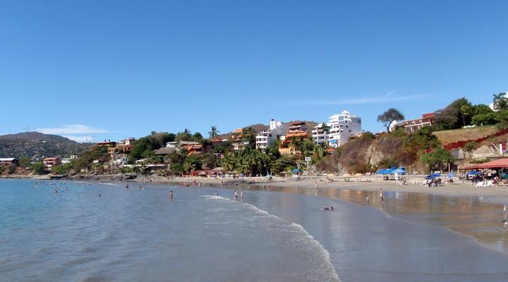 Tropisch strand Zihuatanejo, Mexico