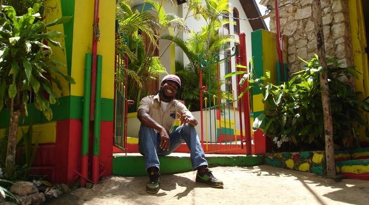 Gids mausoleum Bob Marley, Jamaica