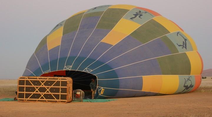 Ballon wordt klaargemaakt voor een mooie tocht