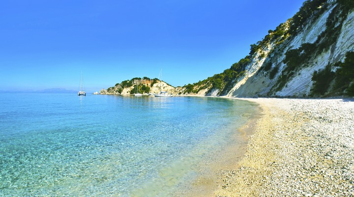 Zomers strand op Ithaka, Griekenland