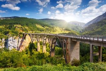 De 154 meter hoge Đurđevića-Tarabru