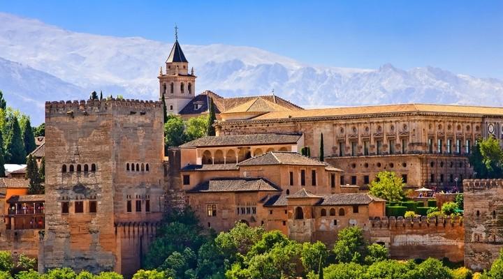 Zonsondergang bij het Alhambra in Granada