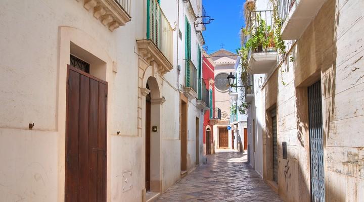 Steegje Fasano, Puglia