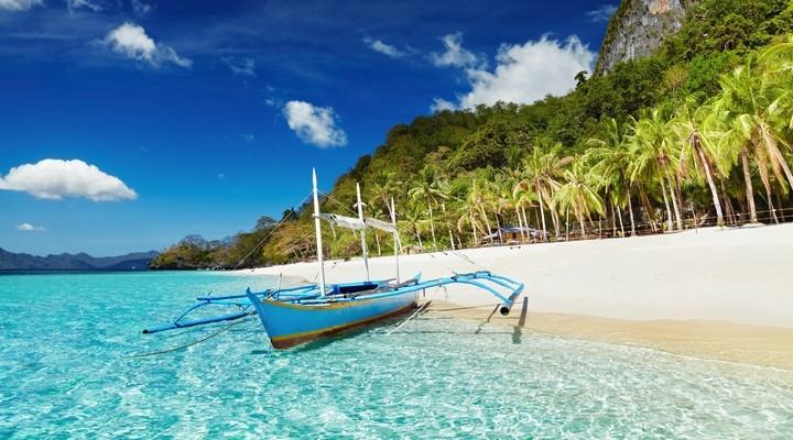 Tropisch strand op de Filipijnen