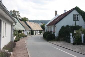 Een weg door het oude gedeelte van Båstad