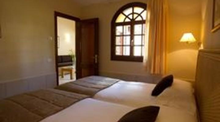 de slaapkamer van 3-kamer villa