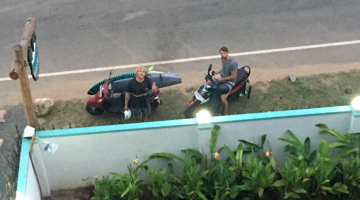De mannen met de scooters