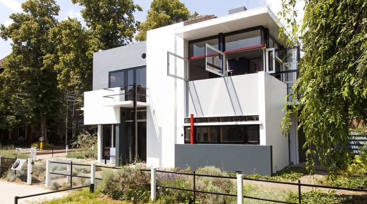 Het Rietveld Schröderhuis van voren