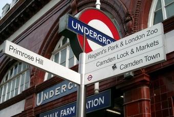 Vanaf de metro naar Camden Town