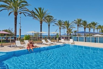 Het zwembad van Allsun Riviera Playa