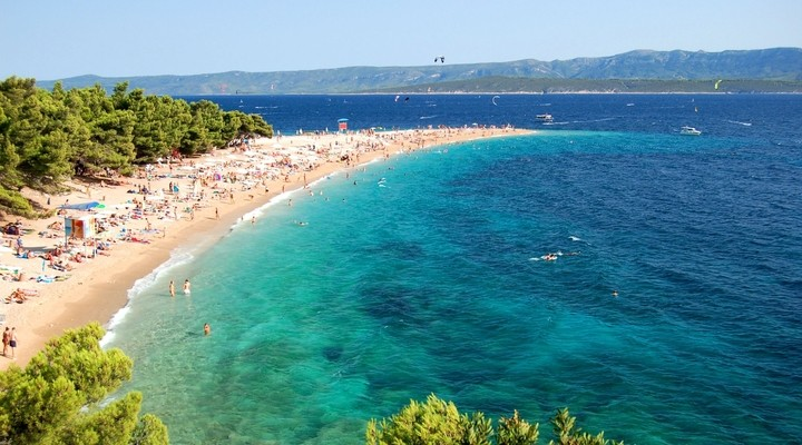 Mooi strand van Golden Horn, eiland Brac