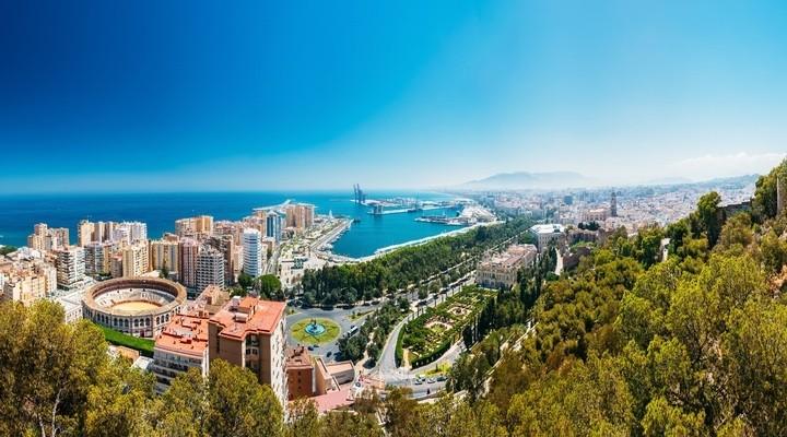 Panoramazicht haven van Málaga