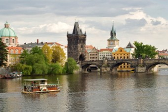 Ryanair biedt dagelijkse vluchten naar Edinburgh, Valencia en Praag