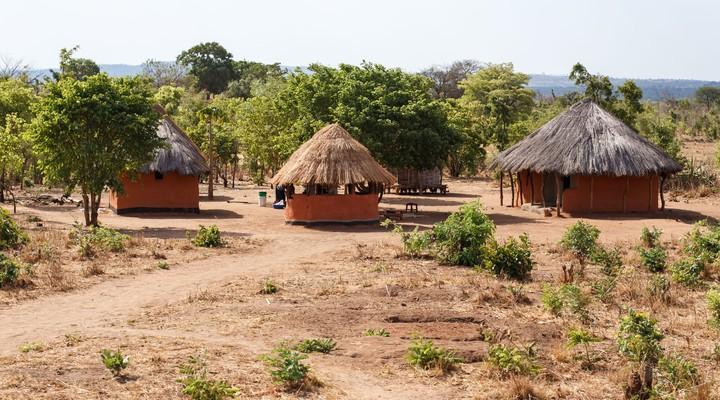 Hutjes waar Zambiaanse bevolking woont