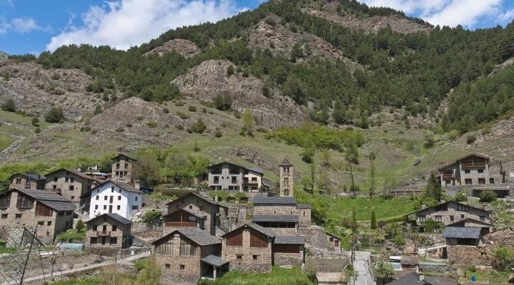 Uitzicht op stadje Pal, Andorra