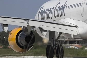 Thomas Cook overweegt verkoop luchtvaart-tak