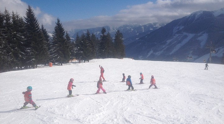 Skilessen met kinderen in Saalbach