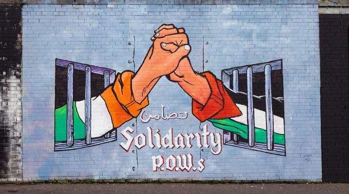 Mural, politieke muurschildering Belfast