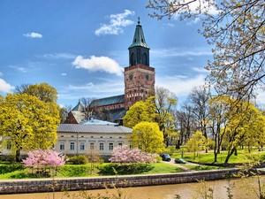 Autorondreis Finse meren, steden & cultuur