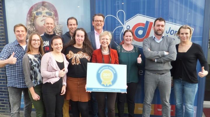 Het team van De Jong Intra met de Reisgraag Award