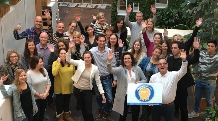 Het team van Pharos Reizen met de Reisgraag Award