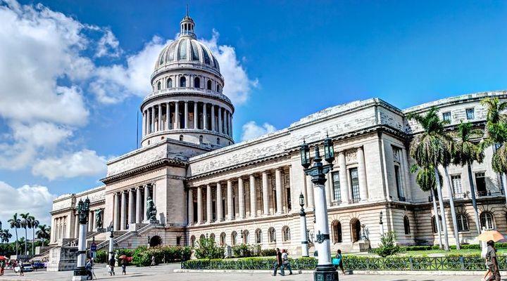 Het indrukwekkend mooie gebouw El Capitolio in Havana