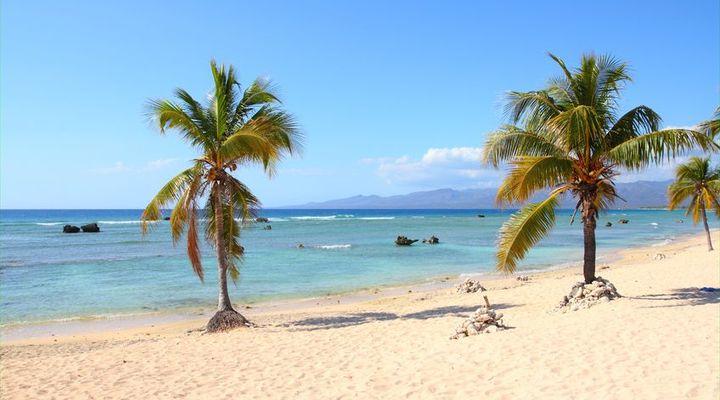 Playa Ancon heeft een mooie zee die blauw groen van kleur is