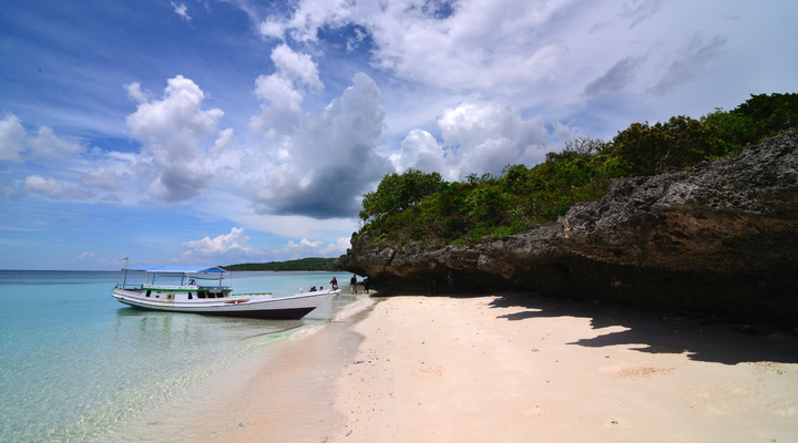 De witte stranden op Sulawesi
