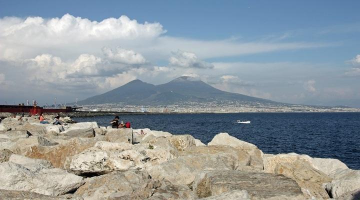 Napels met Vesuvius vulkaan