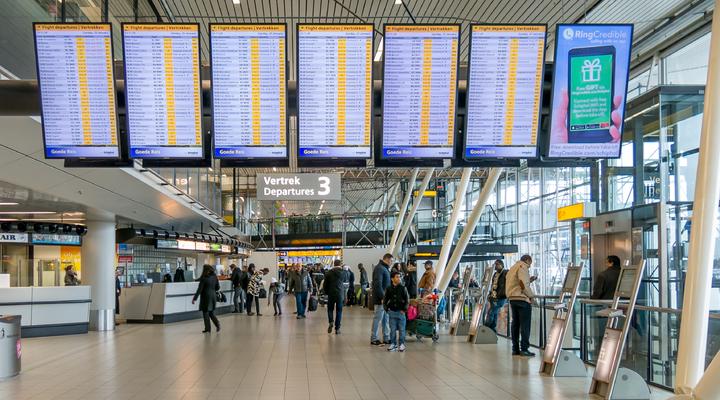 De vertrekhal op Schiphol