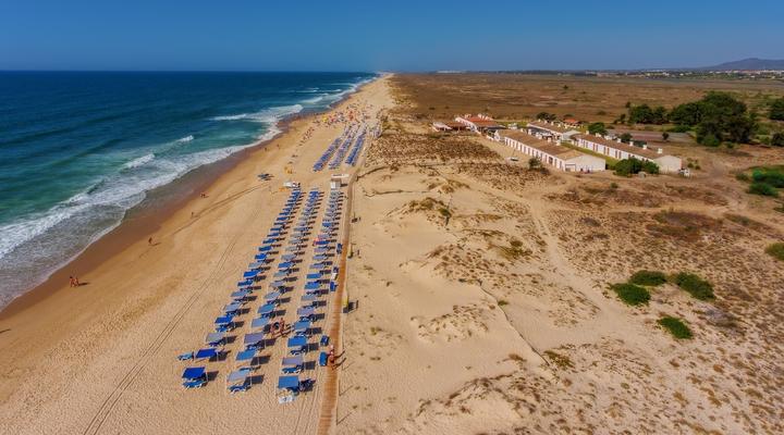 Het strand van Tavira, Portugal
