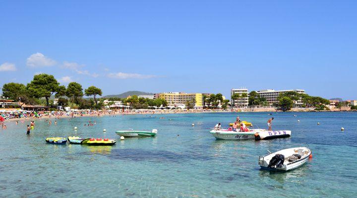 Es Cana op Ibiza