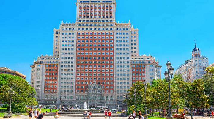 Het gebouw waarin RIU Madrid is gevestigd