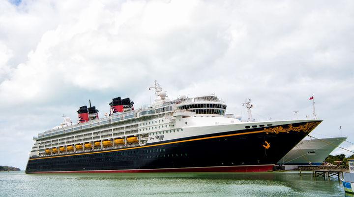 Een van de schepen van Disney Cruise Line